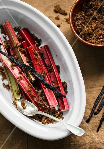 Rhubarb with brown sugar and vanilla pods