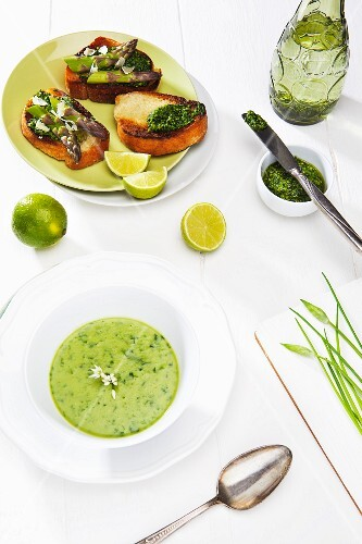 Wild garlic soup and grilled bread with wild garlic pesto