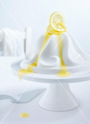 Panna cotta with lemon sauce