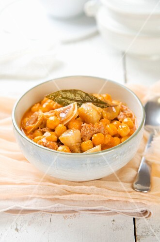 Chickpea stew with pork