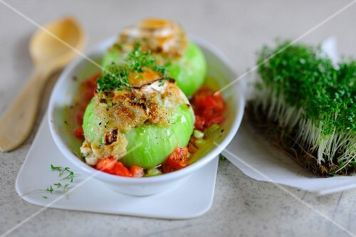 Stuffed kohlrabi filled with amaranth and goat's cheese