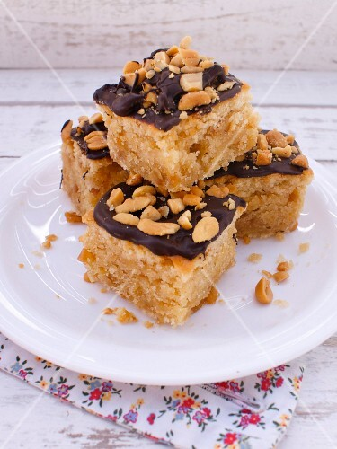 Peanut and chocolate slices