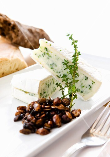 Herb brie with glazed nuts