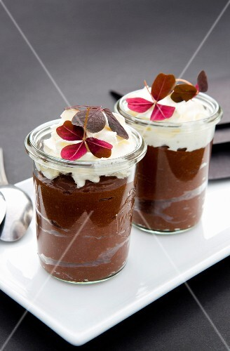 Chocolate mousse with cream