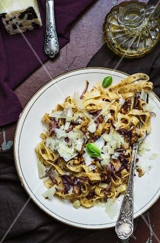 Tagliatelle with nuts and Parmesan