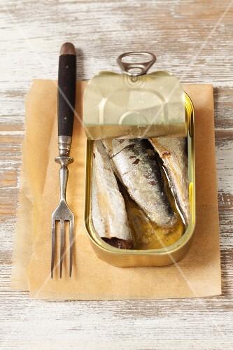 A tin of smoked sardines