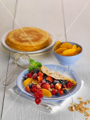 Crepe with fresh fruits