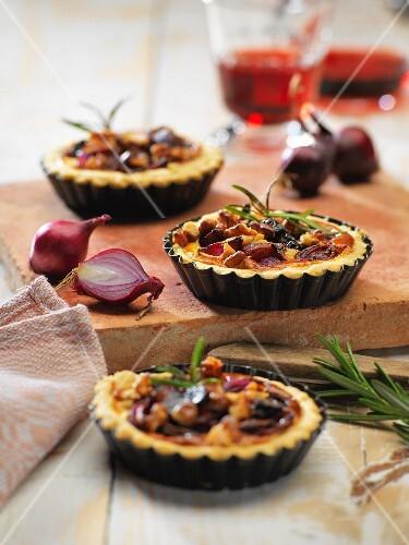 Port wine and onion tarts