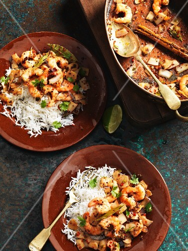 Spicy prawns with fresh coriander and coconut