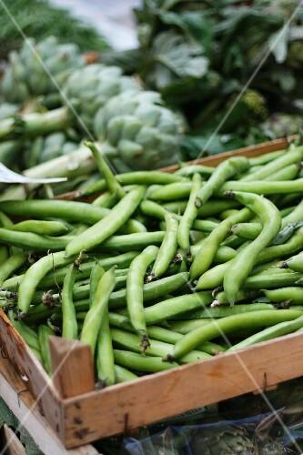 Broad beans at a market