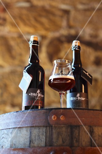 Dark strong beer from the Nikl Brewery (Franken, Germany)