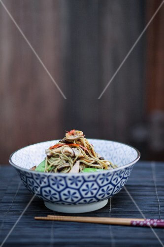 Oriental noodles with king trumpet mushrooms and shiitake mushrooms