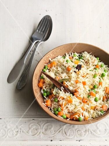 Pea and carrot pilau (India)