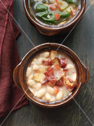 White bean soup with bacon