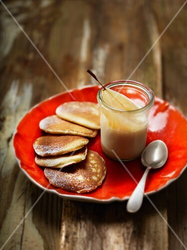 Cheese pancakes with poached pears