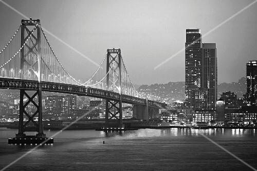Bay Bridge between San Francisco and Oakland by night (California, USA)