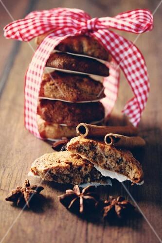 Elisenlebkuchen (Nuremburg gingerbread cake) as a gift