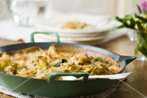 Cauliflower and broccoli gratin with goat's cheese and mustard seeds