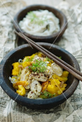 Ginger chicken with mango (Asia)