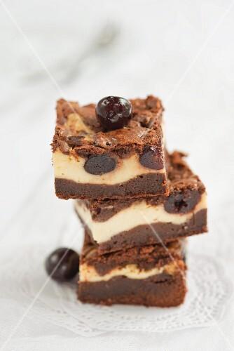 Cheesecake brownies with cherries