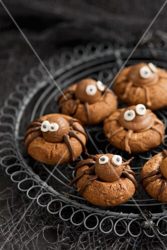 Spider biscuits for Halloween