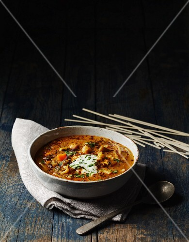Afghan pasta soup with yoghurt