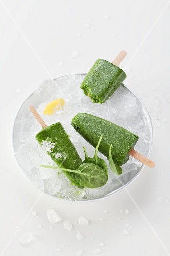 Green smoothie ice lollies