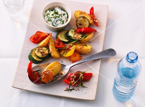 Oven-roasted vegetables with a herb and quark dip