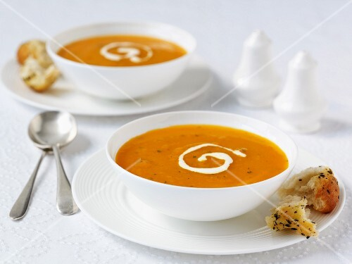 Carrot and coriander soup with cream