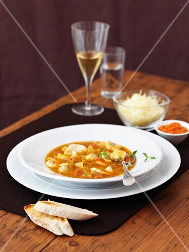 Bouillabaisse with ciabatta and cheese