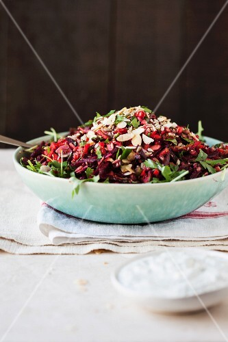 Beetroot salad with rocket and almonds