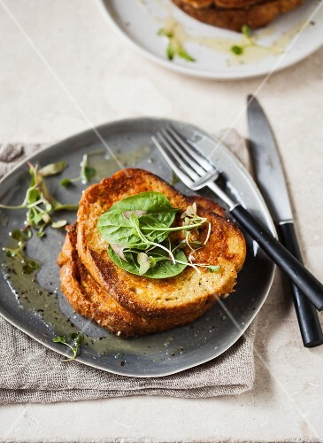 Savoury French toast with spinach and cress