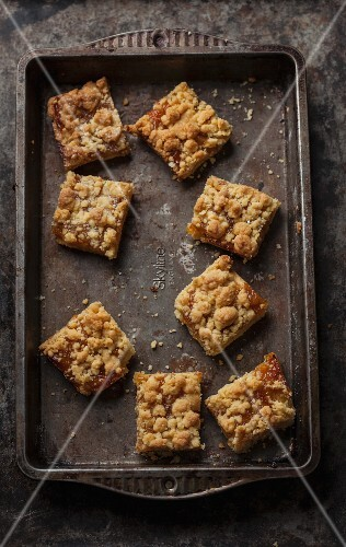 Shortbread jam slices with crumbles