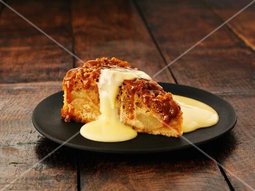 Sponge pudding with vanilla sauce