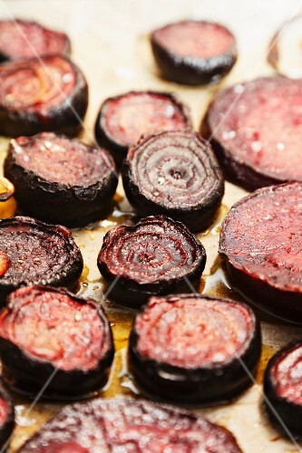 Oven-roasted beetroot with olive oil and salt