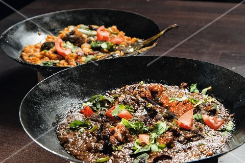 Lamb with spinach and lentil curry with aubergines (India)