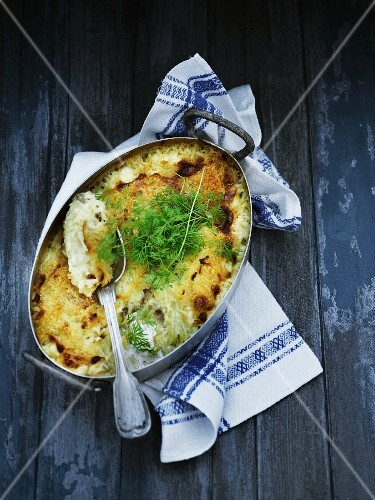 Potato bake with anchovies and dill