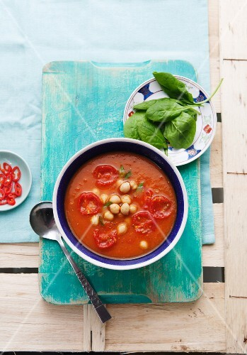 Sweet potato and tomato soup with chickpeas