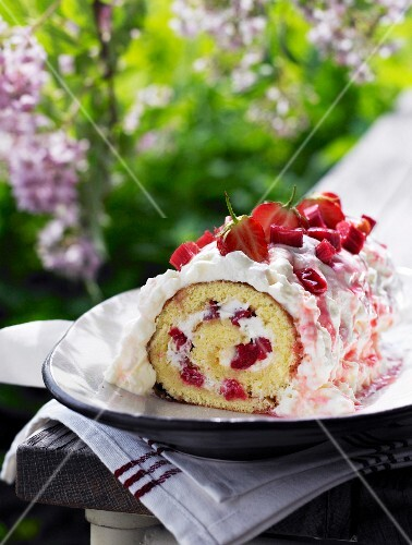 Swiss roll with strawberries and rhubarb