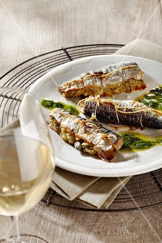 Sardines filled with feta cheese and capers