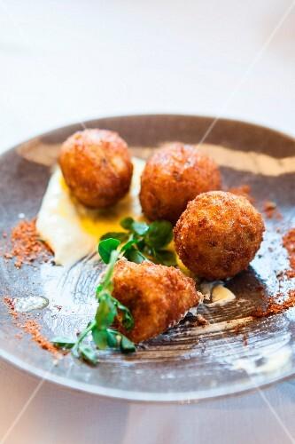 Potato croquettes with aioli