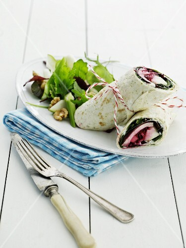 Wraps with egg, beetroots and a fruity salad