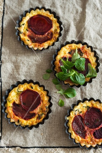 Beetroot tartlets (seen from above)