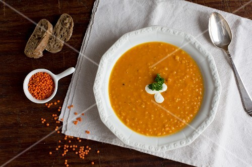 Lentil, orange and carrot soup