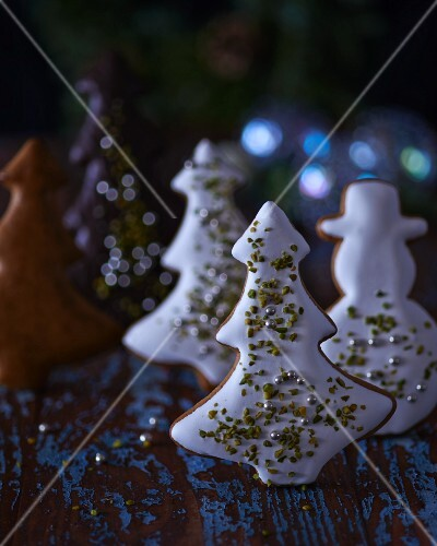 Gingerbread Christmas trees and a gingerbread man