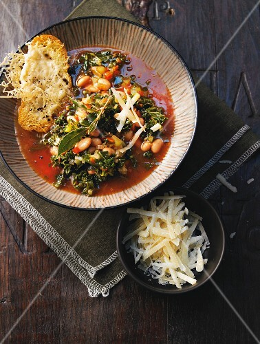 Green kale minestrone with white beans and cheese crostini