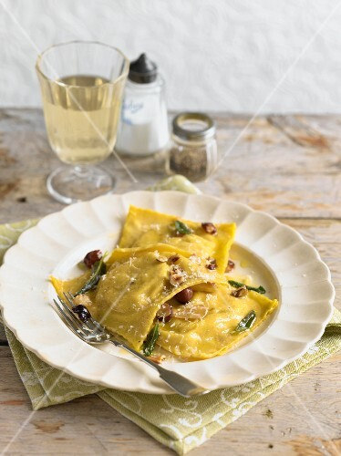 Ravioli with sage butter and cheese