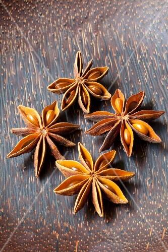 Four anise stars