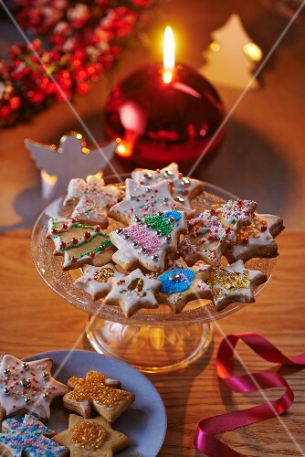 A plate of colourfully decorated Christmas biscuits
