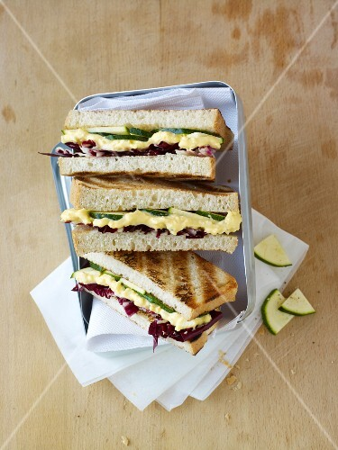 Sandwiches with radicchio and egg